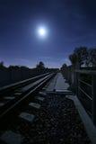 Ferrocarril en la noche Imagen de archivo libre de regalías