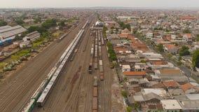 Ferrocarril en Surabaya Indonesia fotos de archivo