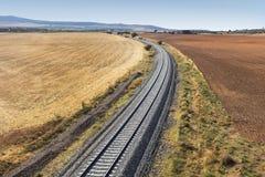 Ferrocarril en un lado del país Fotos de archivo libres de regalías