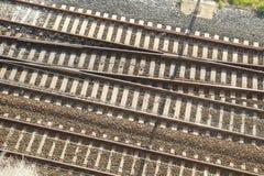 Ferrocarril en una estación de tren Fotografía de archivo