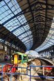 Ferrocarril y tren de Brighton en sol Fotos de archivo