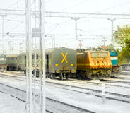 Ferrocarriles indios Coches y locomotora Foto de archivo libre de regalías