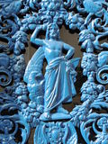 Ferronnerie : homme sans chemise avec le bleu Photographie stock libre de droits