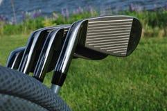 Ferros em um saco de golfe Fotografia de Stock