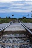 Ferrovia al cielo nuvoloso Immagini Stock Libere da Diritti