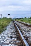 Ferrovia al cielo nuvoloso Immagine Stock Libera da Diritti