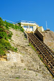 Ferrovia della scogliera, ferrovia funicolare dell'ascensore del cavo, nel vill della spiaggia Fotografie Stock Libere da Diritti
