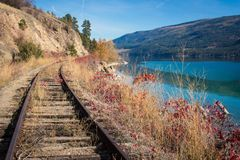 Ferrovia di Okanagan vicino alla Columbia Britannica Canada di kelowna del lago Immagine Stock Libera da Diritti