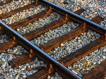 Ferrovia diagonale su fondo di pietra immagine stock libera da diritti