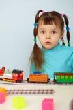 Ferrovia stupita del giocattolo e del bambino fotografia stock