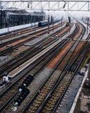 Ferrovia in tempo nebbioso Immagini Stock