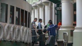 ferry звезда обслуживания пассажира оператора Hong Kong акции видеоматериалы