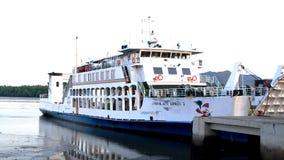 Ferry accouplé au pilier de Langkawi Images libres de droits
