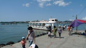 Ferry accouplé au pilier de Taïwan Tamsui Images stock