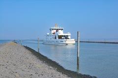 Ferry all'isola di Norderney, Frisia orientale, il Mare del Nord, Germania Fotografie Stock Libere da Diritti