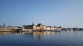 Ferry arriving at Gamla stan Stock Photos