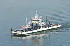 Ferry-boat avec des passagers Photographie stock libre de droits