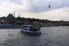 Ferry-boat dans l'estuaire d'Istanbul Image stock