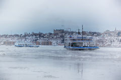 Ferry-boat en hiver Photographie stock