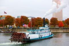 Ferry-boat et indicateurs photographie stock