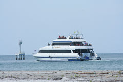 Ferry boat at Nopparatthara beach to Phiphi island Stock Photography