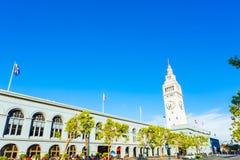 Ferry construisant San Francisco Angled Blue Sky Day photographie stock libre de droits