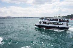 Ferry dans Bosphorus photos stock