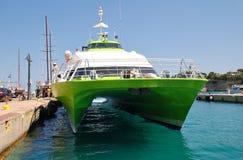 Ferry de chat de vol chez Patitiri Images stock