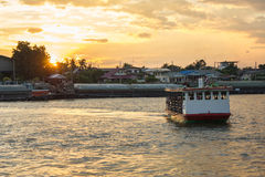 Ferry In the evening, the Nonthaburi Royalty Free Stock Image