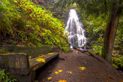 Ferry falls and sitting bench Oregon Stock Photography