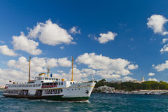 Ferry in front of Topkapi Palace Royalty Free Stock Photos