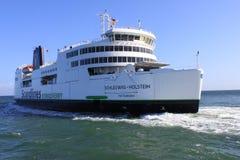 Ferry hybride de Scandlines dans Puttgarden Image libre de droits