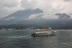 Ferry nel lago Como, Italia, Bellagio, Tremezzo Fotografie Stock
