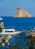 Ferry no porto de Panarea, Itália Foto de Stock Royalty Free