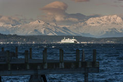 Ferry and Olympic Mountains Royalty Free Stock Images