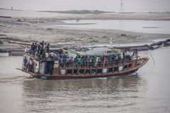 Ferry over the Ganges Royalty Free Stock Photography