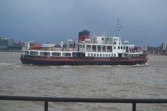 Ferry pour croiser le Mersey Photos libres de droits