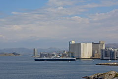 Ferry quittant le port de Stavanger Images libres de droits