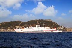 Ferry rapide Ciudad De Malaga entre le port d'Algésiras et le Ceuta photo libre de droits