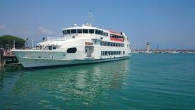 Ferry See Garda Italien Stockbild