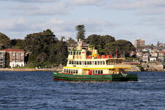 Ferry on Sydney Harbour Royalty Free Stock Photos