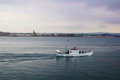 Ferry vers Portland images libres de droits