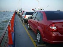 ferryboat автомобиля стоковые фотографии rf