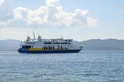 Ferryboat de balsas de Edipsos Foto de Stock