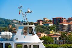 Ferryboat dla Cinque Terre w Lerici Zdjęcie Stock