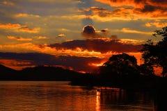 Ferryboat do porto do ria do ³ de Glà na tarde dourada do sol fotografia de stock royalty free