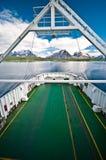 Ferryboat no fiord fotos de stock royalty free