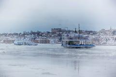 Ferryboat no inverno fotografia de stock