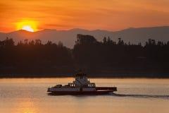 Ferryboat Robi skrzyżowaniu Od Lummi wyspy stały ląd obraz stock