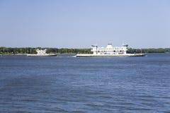 2 ferryboats с автомобилями c Стоковое Фото